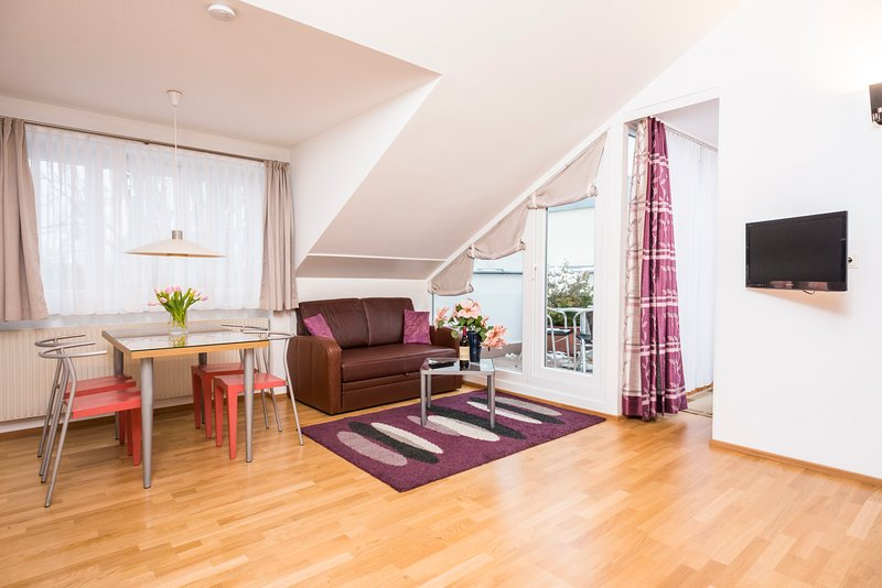Bright penthouse Ap2, holiday rental in Oberkirchbach