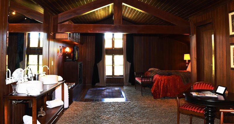 master suite met 72 mts² en 3 omgevingen, basnheira oude stijl