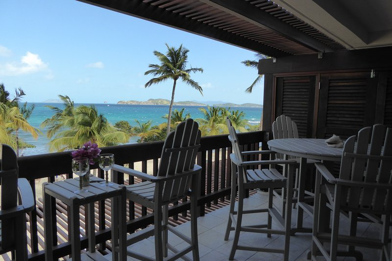 Two bedroom beachfront condo at Sapphire Beach, holiday rental in East End