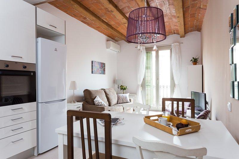 A sala de estar com área de jantar