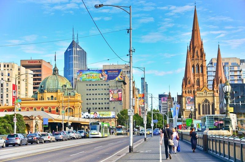 Flinders Street Station et la cathédrale St Paul (2 min à pied du site)