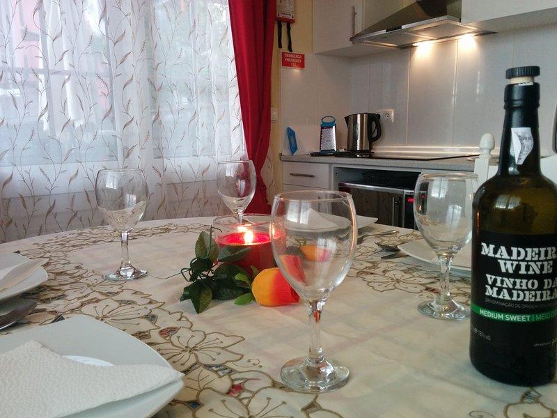 1 BDR Apartment - Formosa Beach, holiday rental in Estreito de Camara de Lobos