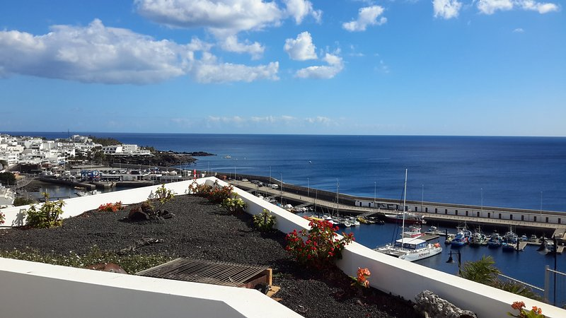 House in front of the sea in Puerto del Carmen, vacation rental in Puerto Del Carmen