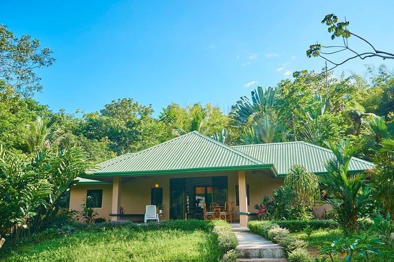 Villa Lagunas - Private & tucked into the hills