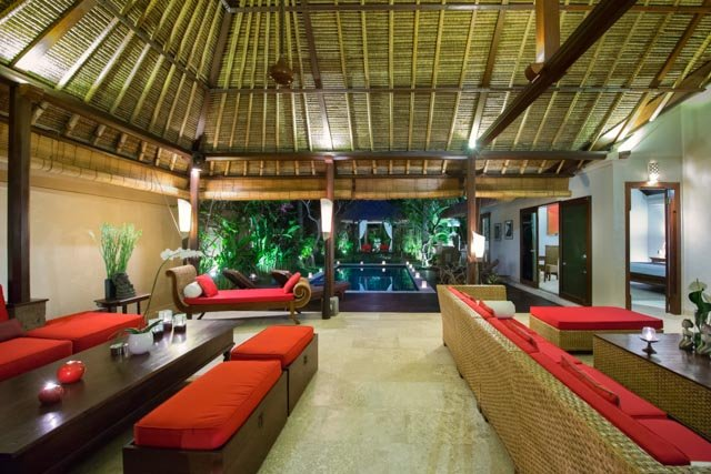 Living room overlooking to the pool