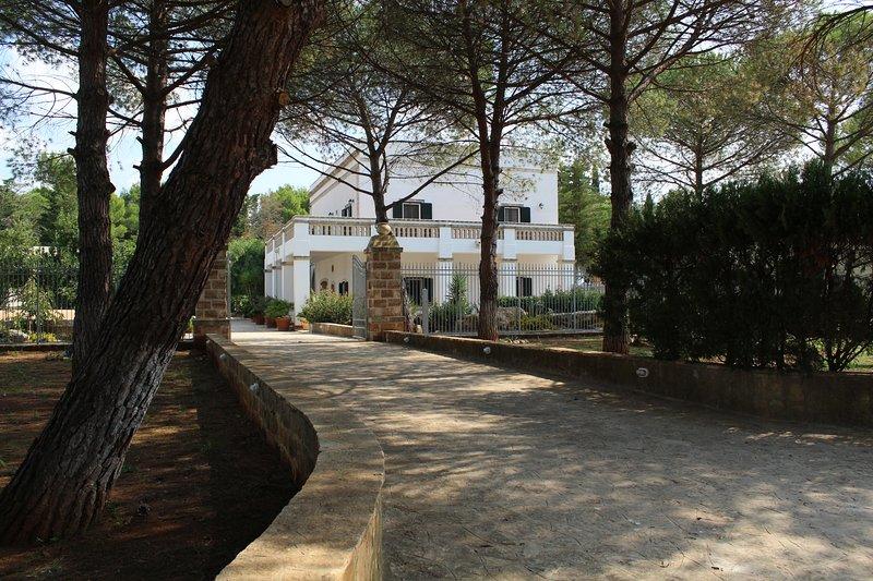 Appartamento Oleandro, vacation rental in Lizzano