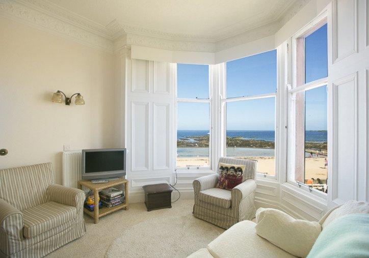 Linda Vista, beach front, 6 bedroom  holiday home in North Berwick, vacation rental in North Berwick