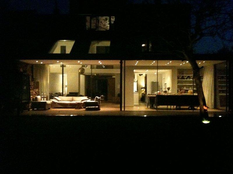 Maison de famille par nuit ...
