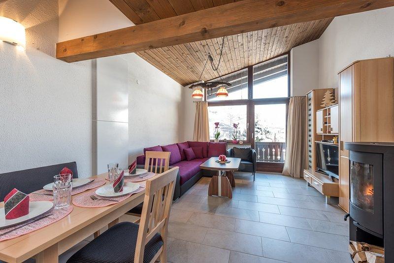 Haus Sonas - 1 Bedroom plus Separate Loft Sleeping Area, holiday rental in Zell am See