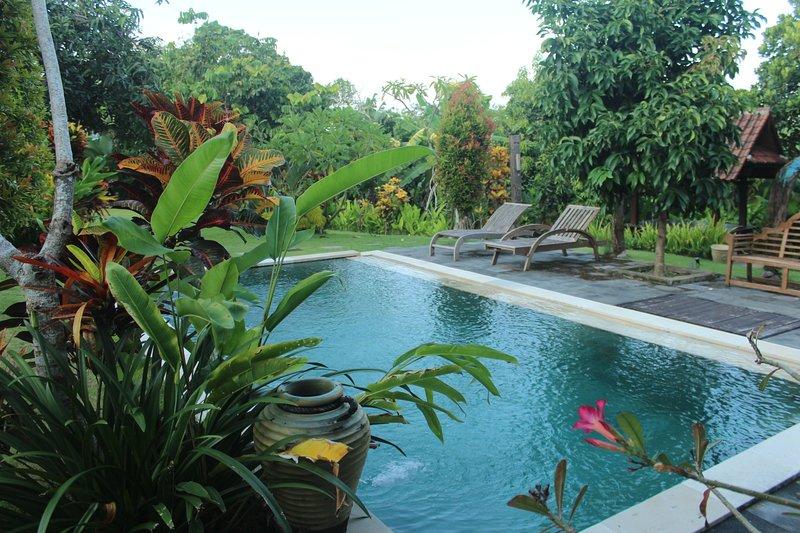 Villa Kubu Ampo, Spectacular Villa in North of Kuta, alquiler vacacional en Abianbase
