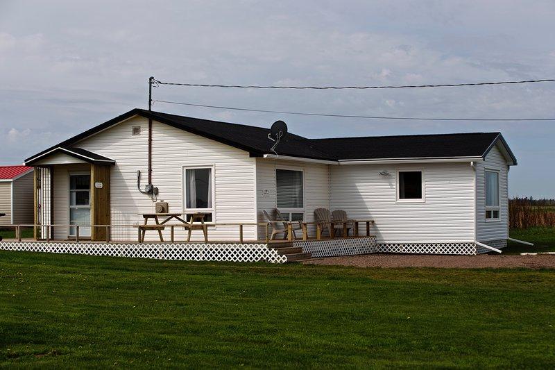 Northern Knights Sea View Cottage, alquiler de vacaciones en Darnley