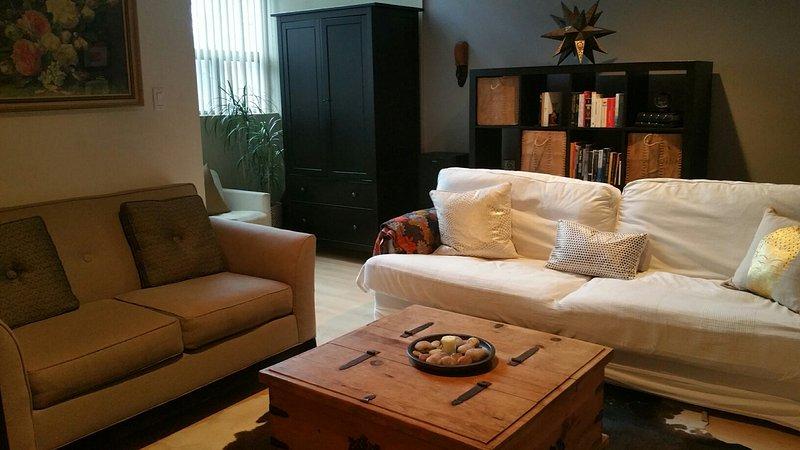 Gemütliches Familienzimmer ist perfekt, um nach einem anstrengenden Shopping-Tag zu entspannen.