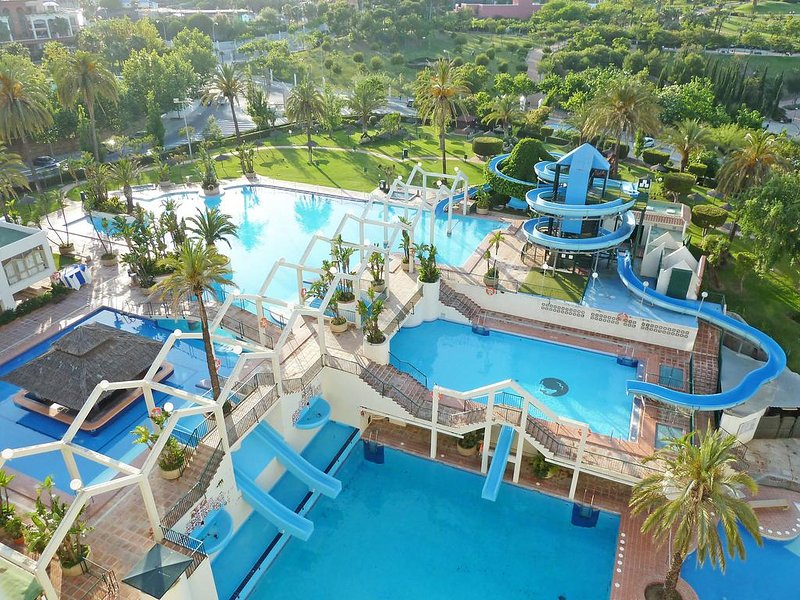 Lovely apartment 200 m to the beach Benalmadena, location de vacances à Arroyo de la Miel