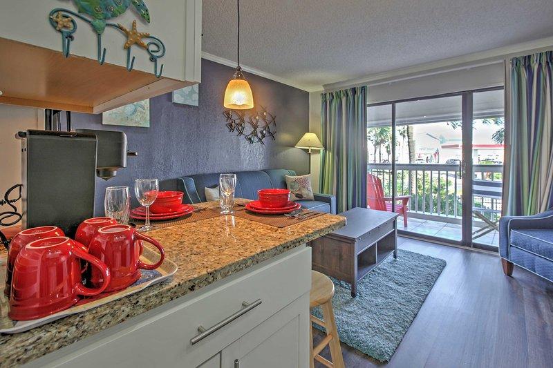 Com uma cozinha totalmente equipada, com mobiliário confortável e piscinas comunidade, este condomínio aluguer de férias fantástica promete uma fuga relaxante!