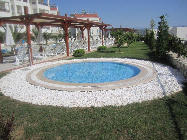 Kids communal pool