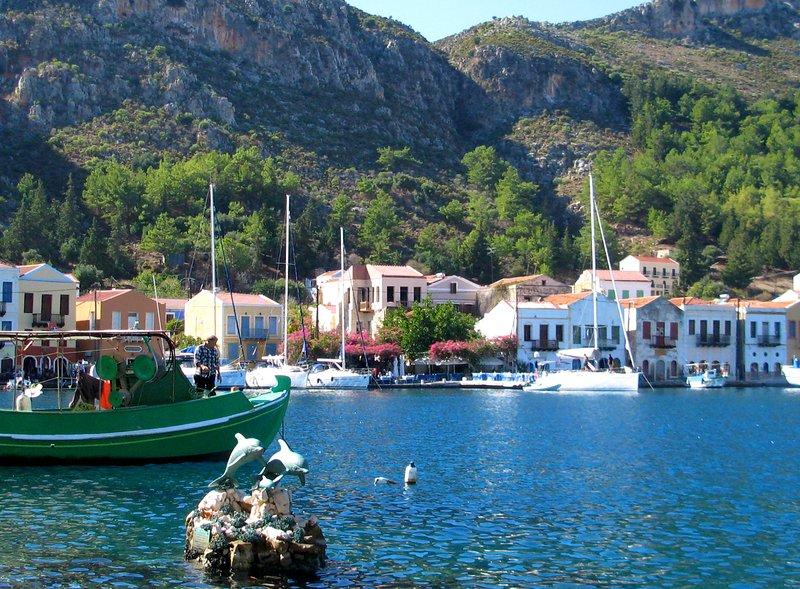 Pasar un día en Grecia, visitando Meis sólo 30 minutos en coche y 20 minutos en ferry - algo que debe hacer los días!