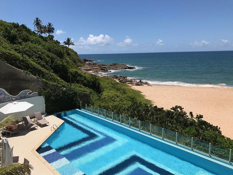APARTAMENTO BEIRA-MAR COM ACESSO DIRETO À PRAIA, alquiler de vacaciones en Salvador