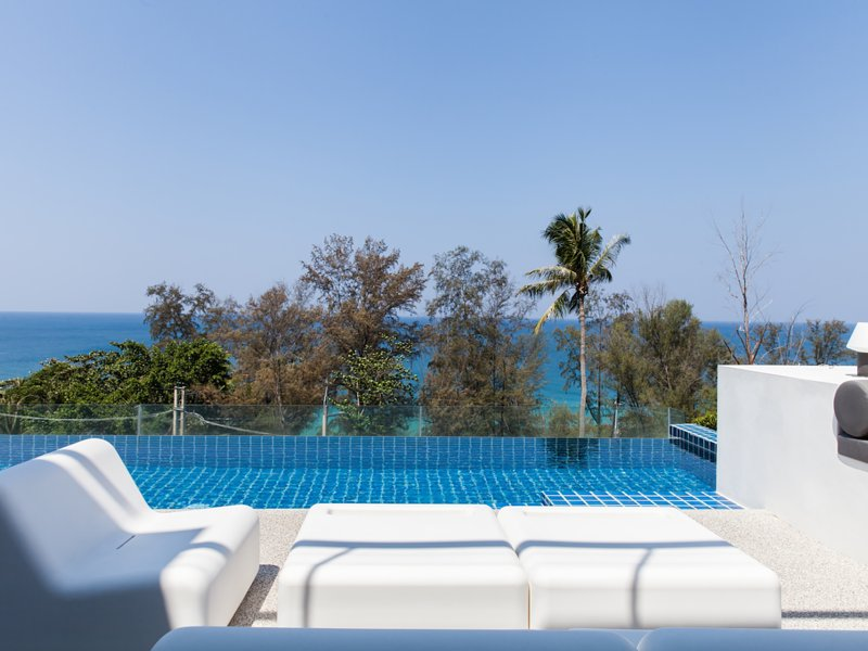 Villa Sammasan - Loungers by the pool