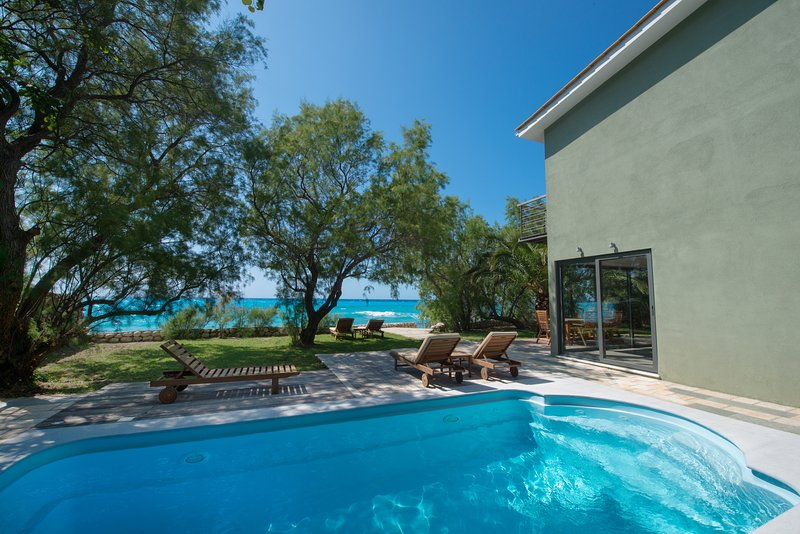 Situated on the beach with stunning views and high levels of privacy., vacation rental in Lefkada