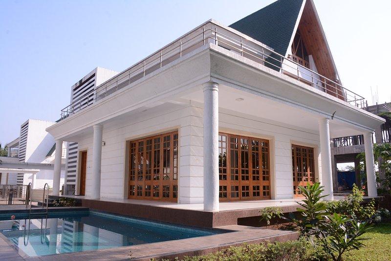 Bungalow equipado todas las comodidades modernas vacaciones Aapke liye ofrece 2 y 3 BHK bungalows individuales.