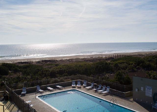 Vistas al mar y piscina