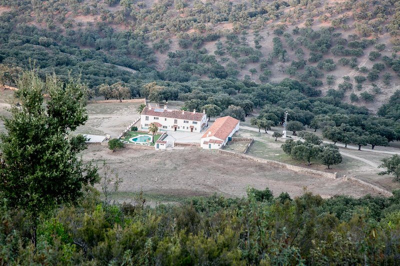 HUERTA BARBA COUNTRY HOUSE, vakantiewoning in Jabugo