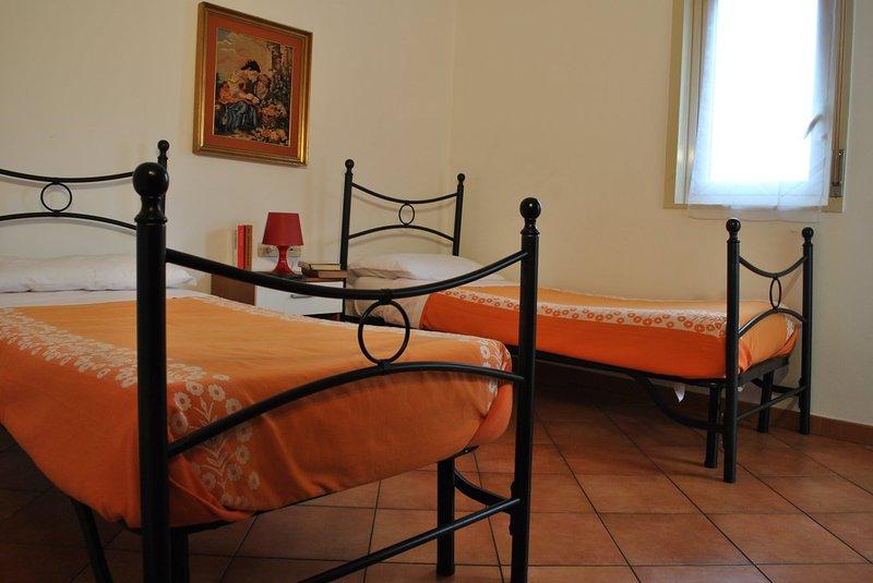 CASA VACANZA BEST ETNA ROOMS, holiday rental in Pedara