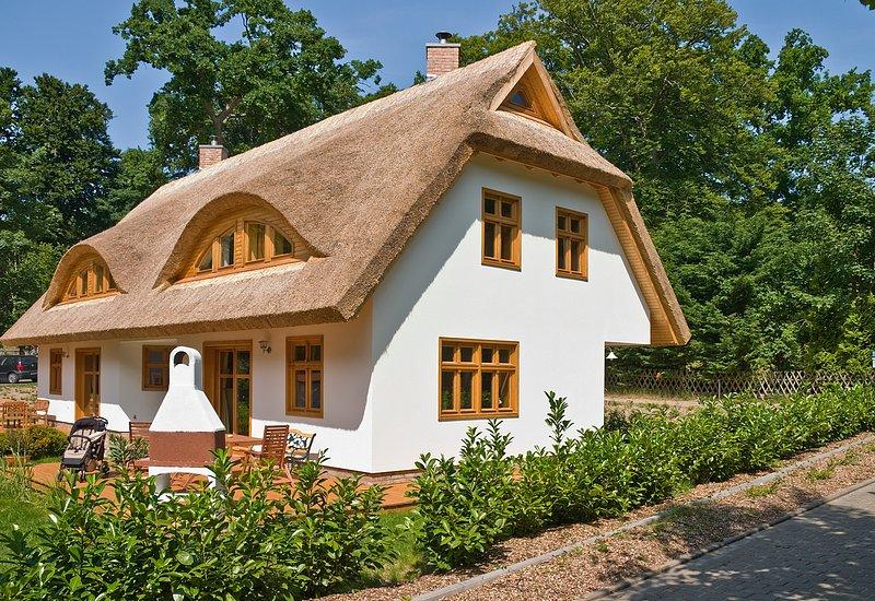 Urlaub im schönsten Ferienhaus Sellins-3 Gehminuten zum  Strand-ruhige Lage, holiday rental in Sellin