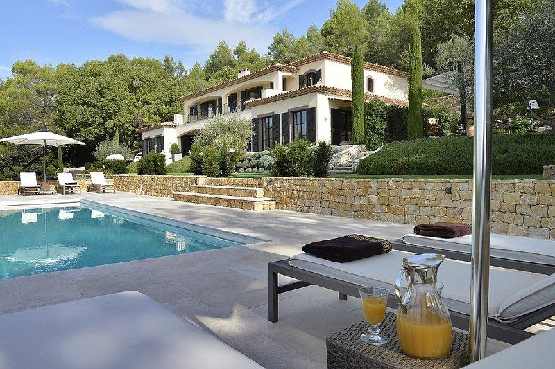 villa Zantos Montauroux, near Cannes and golf resort terre Blanche