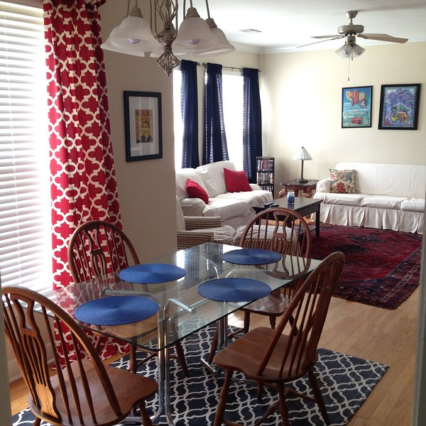 Charming Weekend Rental - 2 Bedroom Condo - Minutes From Campus and the Square!, holiday rental in Sardis