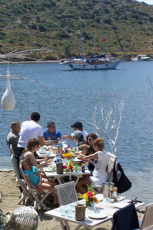 Super restaurants in the bays and in the small towns of the Bodrum peninsula.
