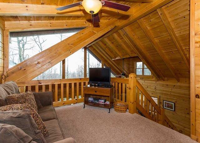 Loft area w/ TV
