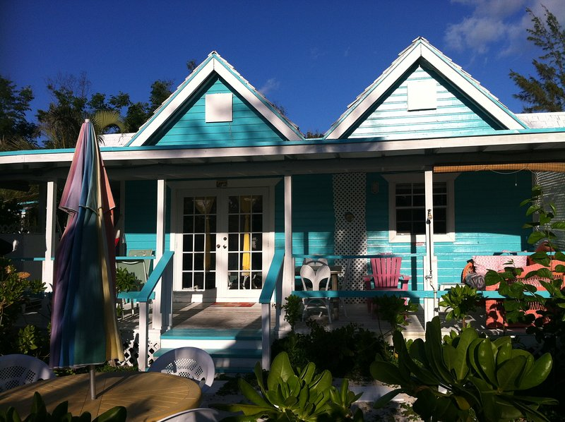 Topaz  Cottage at Diamonds by the Sea, Ferienwohnung in Freeport