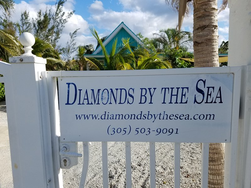 Entrance to Diamonds on Diamond Row