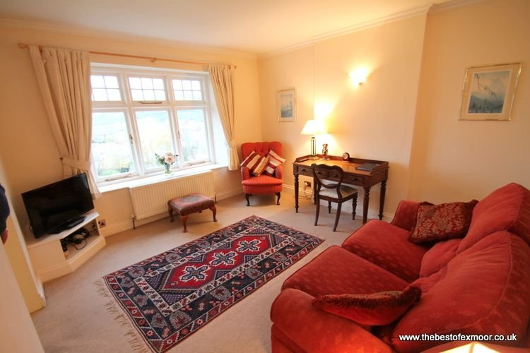 Hurlestone Apartment, Porlock - Holiday apartment for 2  guests in Porlock, holiday rental in Porlock
