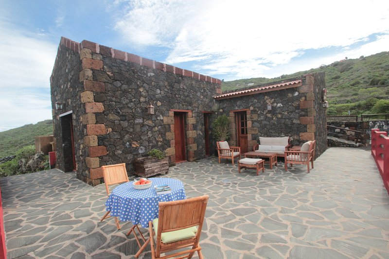 CASA RURAL LA HOJALATA, holiday rental in El Hierro