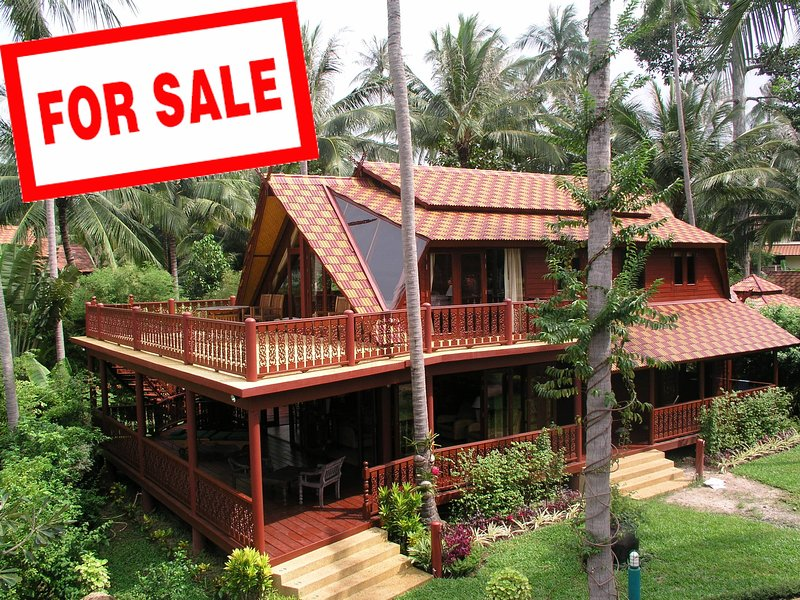 Bali Thai - 4 Bedroom Teak Villa on the Beach, holiday rental in Mae Nam