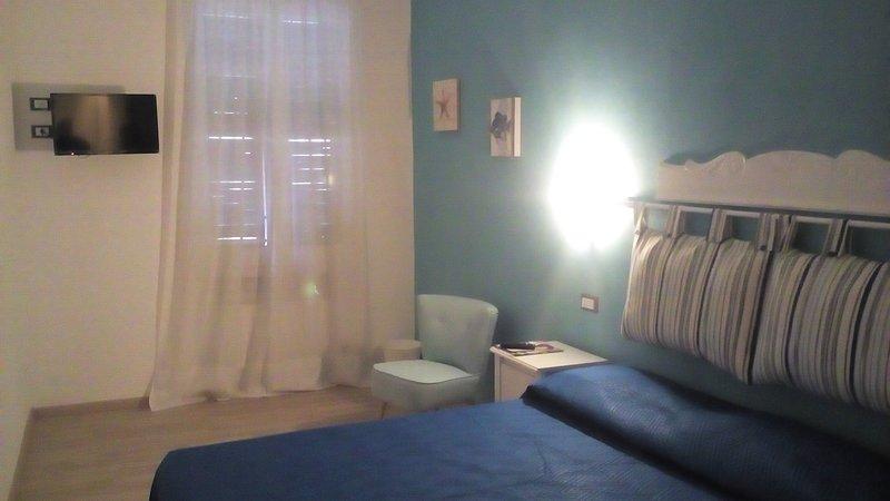Bilocale con cucina e bagno  dotato di tutti i comfort, vacation rental in Riomaggiore