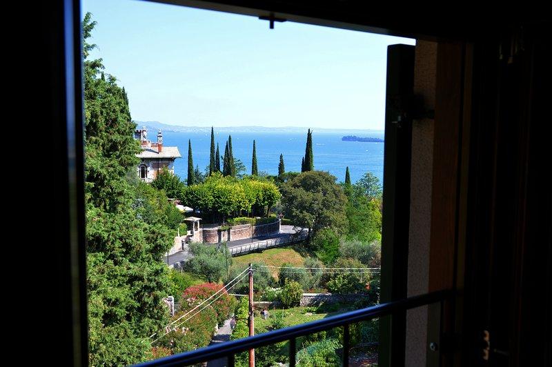 B&B Casa Francesca - SUITE VISTA LAGO, holiday rental in Gardone Riviera