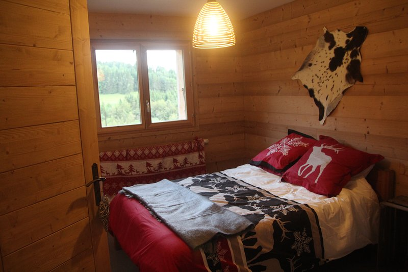 Luxurious Mountain Chalet in the French Alps, holiday rental in Megevette