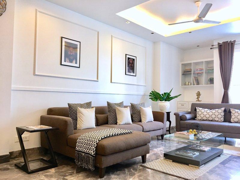 The Lotus - Luxurious 3 bedroom apartment, Ferienwohnung in Neu-Delhi