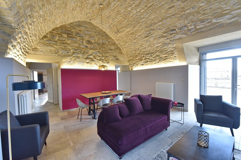Castel d'Alzac - Gîte La Bergerie, holiday rental in Verrieres