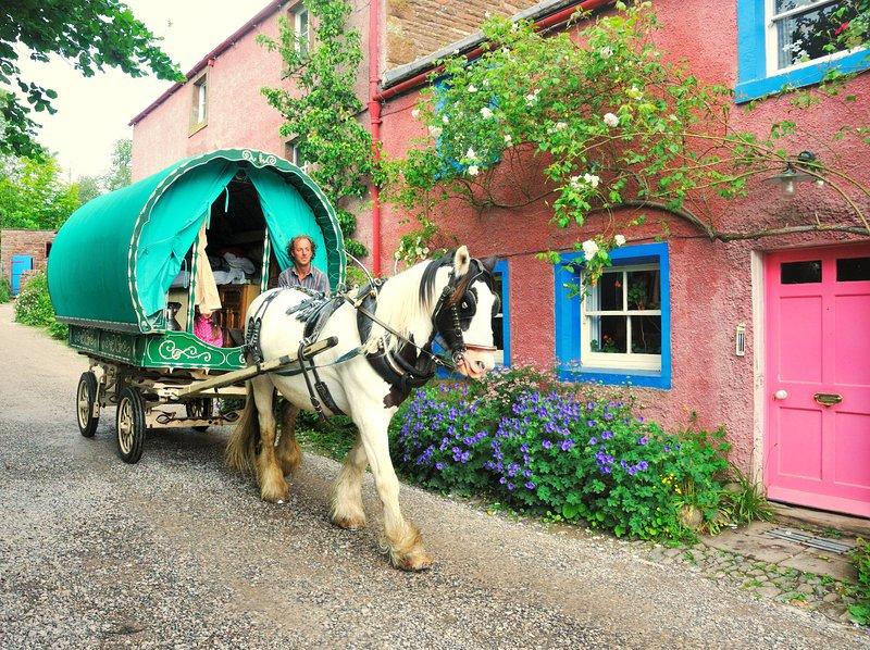 Wanderlusts Gypsy Caravans Horse Drawn Holidays, casa vacanza a Long Marton