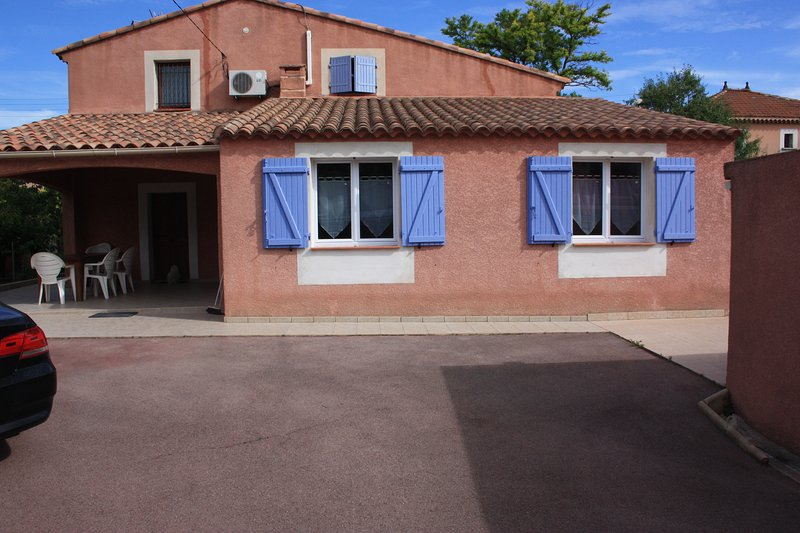 APPARTEMENT DE STANDING, holiday rental in Les-Pennes-Mirabeau