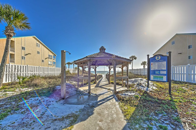 Plan your next trip to this tranquil Destin condo.