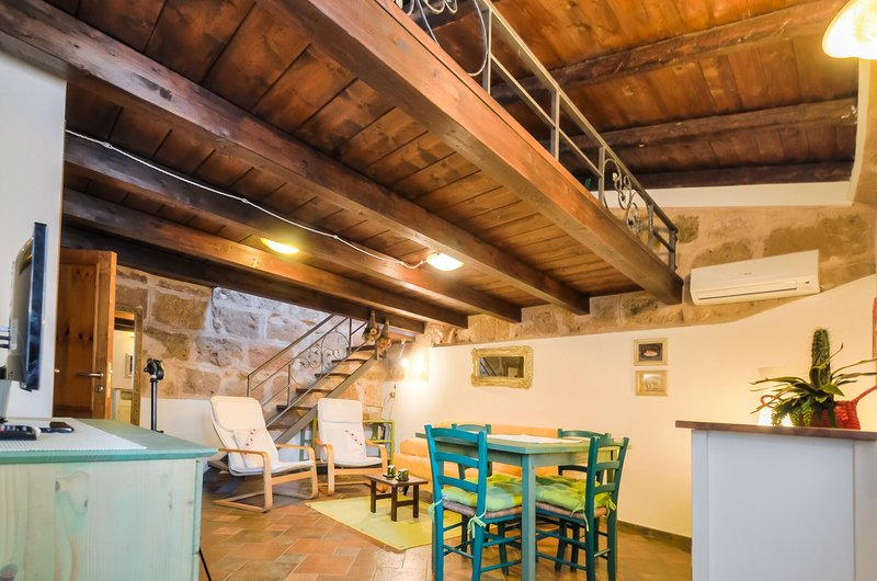 Attic Topaz, on two levels, Alghero Old Town, restored,  with respect of tradition.