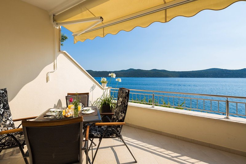 Imagine breakfast with a beautiful view and sounds of the sea