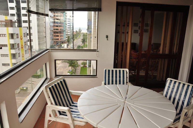 Balcony (Balcony)