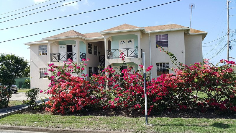 Two Bedroom Condo at Chancery Lane, holiday rental in Oistins