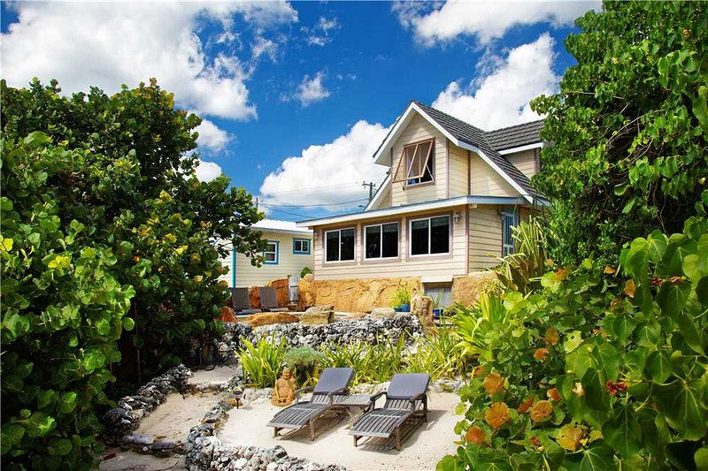 Serenity Sands, holiday rental in Bodden Town